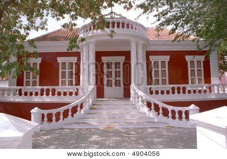 Curacao Building 4