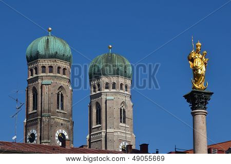 Munich Mariens�ule And Frauenkirche