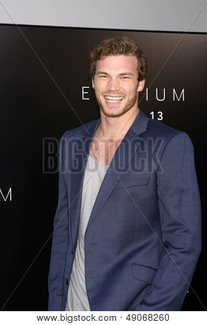 LOS ANGELES - AUG 7:  Derek Theler arrives at the