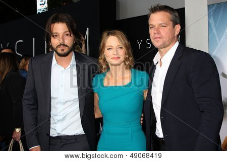 LOS ANGELES - AUG 7:  Diego Luna, Jodie Foster, Matt Damon arrives at the