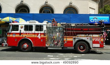 FDNY Engine 4 in Lower Manhattan