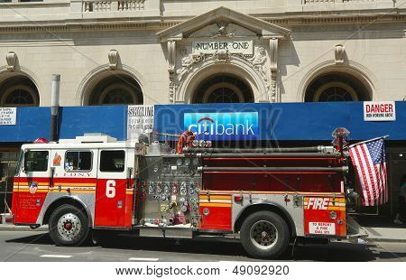 FDNY Engine 6 in Lower Manhattan