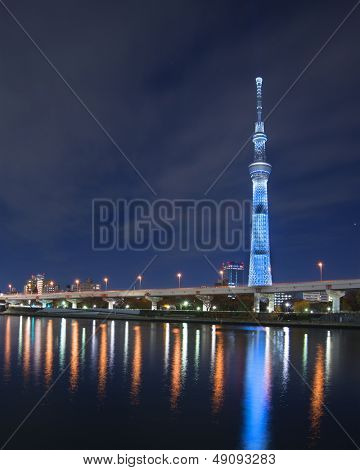 TOKYO - JANUARY 6: Tokyo Skytree at the Sumida River January 6, 2013 in Tokyo, JP. The Skytree is the world's second tallest structure.