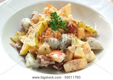 Tuna cream salad with exotic Asian fruits