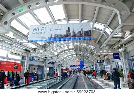 CHICAGO, IL - MAR 31: Chicago O'Hare Airport interior on March 31, 2013 in Chicago, Illinois. It is the world's second busiest airport and was voted the