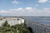 picture of dam  - view of the dam of the Volga hydropower plant in Volgograd - JPG