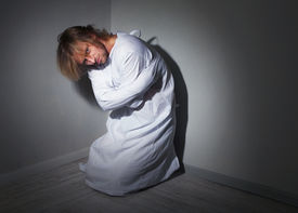 picture of madman  - Mentally ill man in strait - JPG