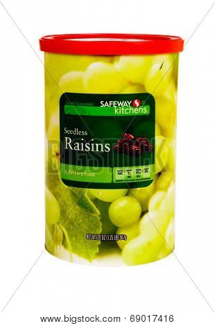Hayward, CA - July 24, 2014: 20 oz can of Safeway Kitchens Brand Seedless raisins