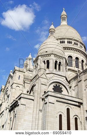 Basilica Of The Sacred Heart (basilique Du Sacre-coeur), Paris, France