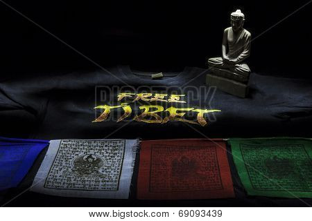 Prayer Flags With Free Tibet T-shirt And Buddha Statue