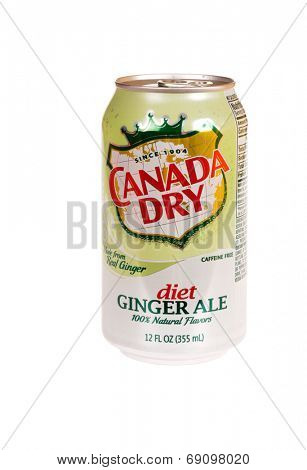 Hayward, CA - July 24, 2014: 12 fl oz can of Canada Dry diet Ginger Ale