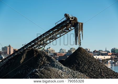 Gravel conveyor