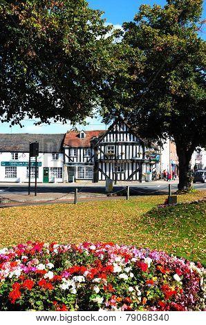 Town centre gardens and pub, Evesham.