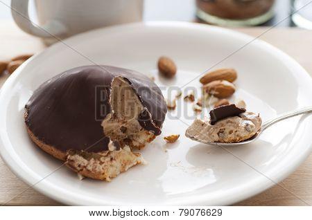 Chocolate Buttercream Macaroons