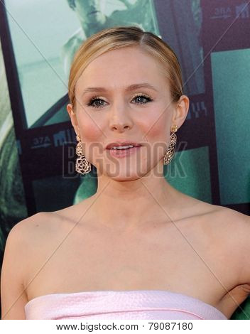 LOS ANGELES - MAR 12:  Kristen Bell arrives to the