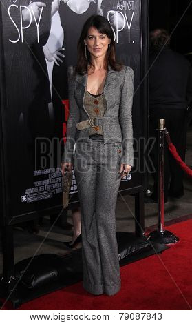 LOS ANGELES - FEB 08:  PERREY REEVES arrives to the