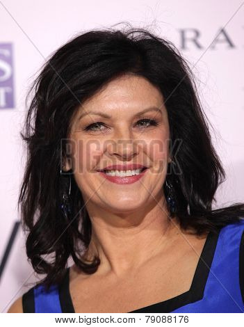 LOS ANGELES - FEB 06:  WENDY CREWSON arrives to the 'The Vow' World Premiere  on February 06, 2012 in Hollywood, CA