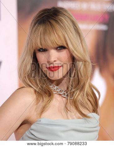 LOS ANGELES - FEB 06:  RACHEL McADAMS arrives to the 'The Vow' World Premiere  on February 06, 2012 in Hollywood, CA