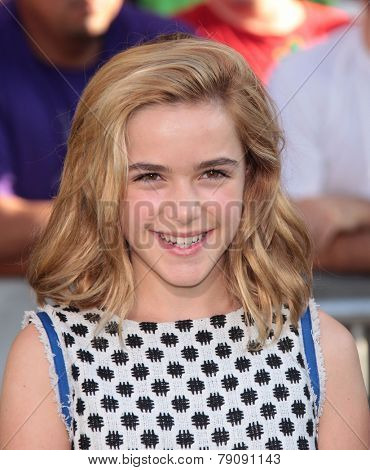 LOS ANGELES - AUG 06:  Kiernan Shipka arrives to