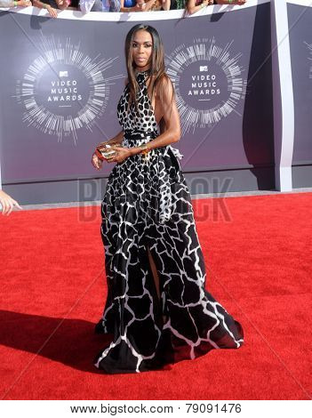 LOS ANGELES - AUG 24:  Michelle Williams arrives to the 2014 Mtv Vidoe Music Awards on August 24, 2014 in Los Angeles, CA