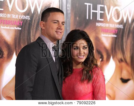 LOS ANGELES - FEB 06:  CHANNING TATUM & JENNA DEWAN TATUM arrives to the 'The Vow' World Premiere  on February 06, 2012 in Hollywood, CA