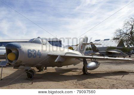 Mikoyan-gurevick Mig-17Pf Lim-6Mr