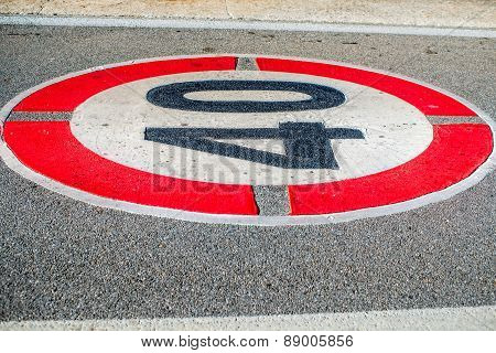 Road speed limit mirking