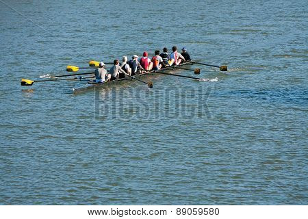 Men's Crew Team Rows Down Atlanta River