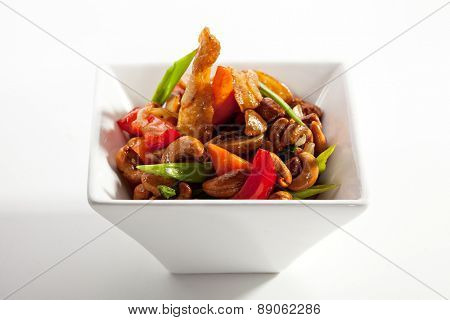Chicken Stir-Fry Cashew and Vegetables with Sweet Sauce