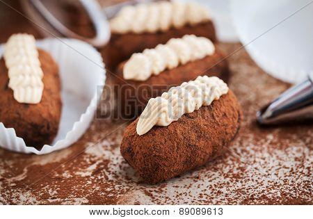 Chocolate Truffle Rum Balls Cakes