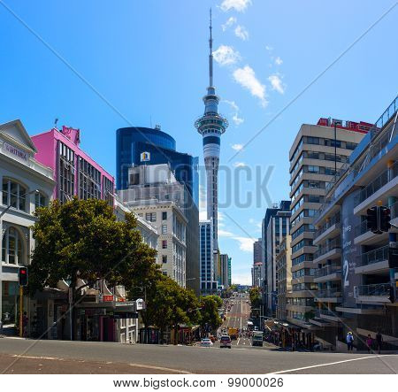 The Sky Tower (328m.) is an observation and telecommunications tower located in Auckland city.