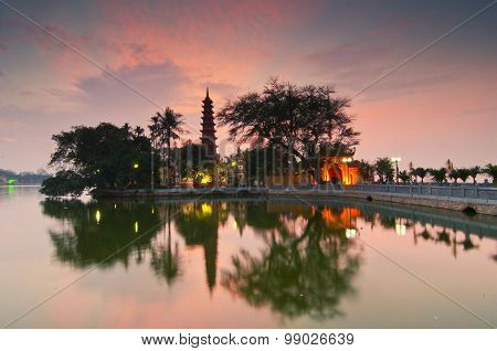 Tran Quoc pagoda in sunset