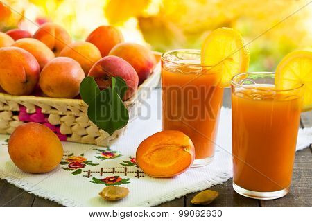 Fresh apricot smoothies