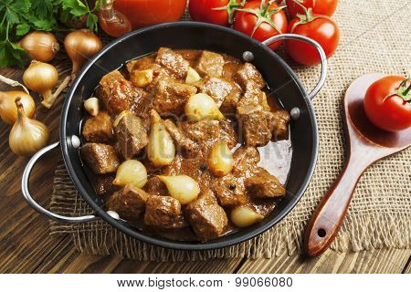 Stewed Beef With Onions And Tomatoes, Stifado