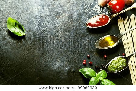 Tomato sauce, olive oil, pesto and pasta - Traditional Italian cooking