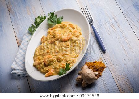 shrimp with curry ginger and coconut sauce