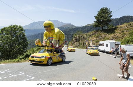 Lcl Caravan In Pyrenees Mountains - Tour De France 2015