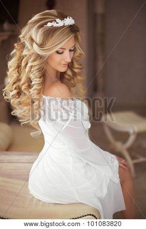 Healthy Hair. Beautiful Smiling Bride With Long Blonde Curly Hairstyle And Bridal Makeup. Attractive