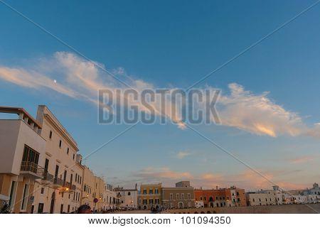 Vista di Gallipoli con nuvole