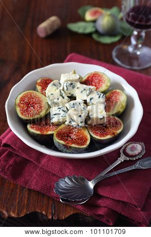 Ripe Figs With  Blue Cheese And Red Wine