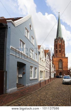 14th century St.-Petri-Kirche church and historic facades at Buxtehude, Lower Saxony