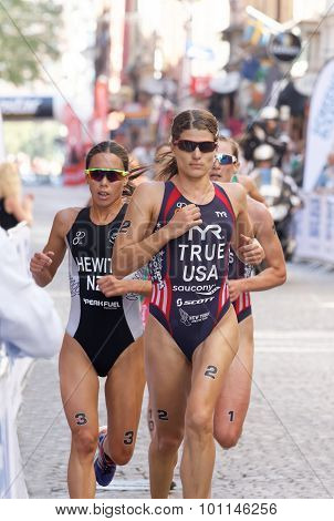 Triathlete Sarah True Running, Followed Competitors