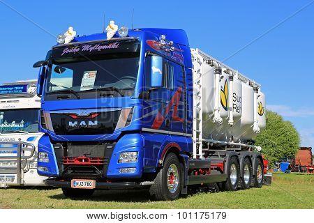 Man TGX 35.480 Truck For Bulk Transport