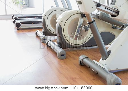 Gym Machine / Gym Machine in Row