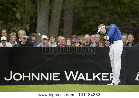 Aug 30 2009; Gleneagles Scotland; Steven O'Hara (GBR) teeing off on the 1st tee competing in the final round of the European Tour Johnnie Walker Championship.