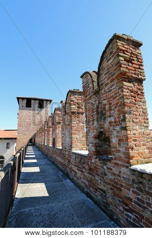 VERONA, ITALY - SEPTEMBER 2014 : The path along the ramparts at Castle Fortress (Castelvecchio) in Verona, northern Italy on September 14, 2014.