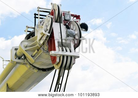 automobile crane