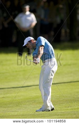 WENTWORTH, ENGLAND. 24 MAY 2009.Paul Casey playing a shot on his way to winning the European Tour BMW PGA Championship.