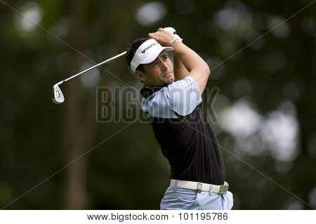 WENTWORTH, ENGLAND. 23 MAY 2009.Lee SLATTERY ENG  playing a shot during the 3rd round of the European Tour BMW PGA Championship.