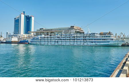 Cruise Ship Viking Sineus